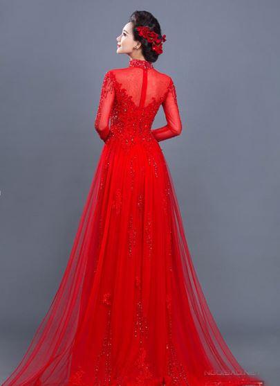 Vẻ đẹp lộng lẫy của người phụ nữ qua mẫu áo dài dạng đầm