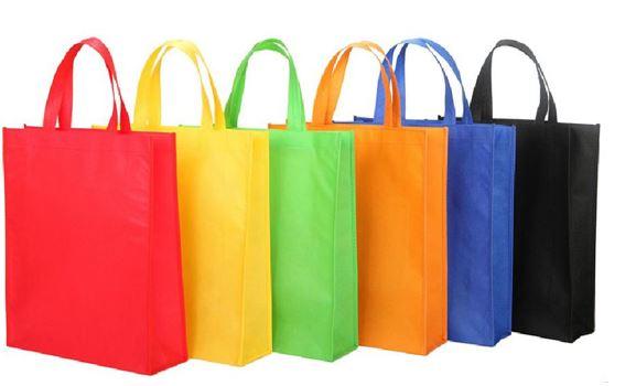 Các túi quảng cáo, khăn trải bàn, các loại túi sản phẩm bảo vệ môi trường,.... cũng được yêu thích sử dụng