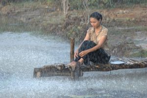 Ninh Dương Lan Ngọc trong phim cánh đồng bất tận